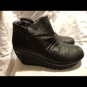 Skechers Black Leather Wedge Ankle Boots Sz 6.5